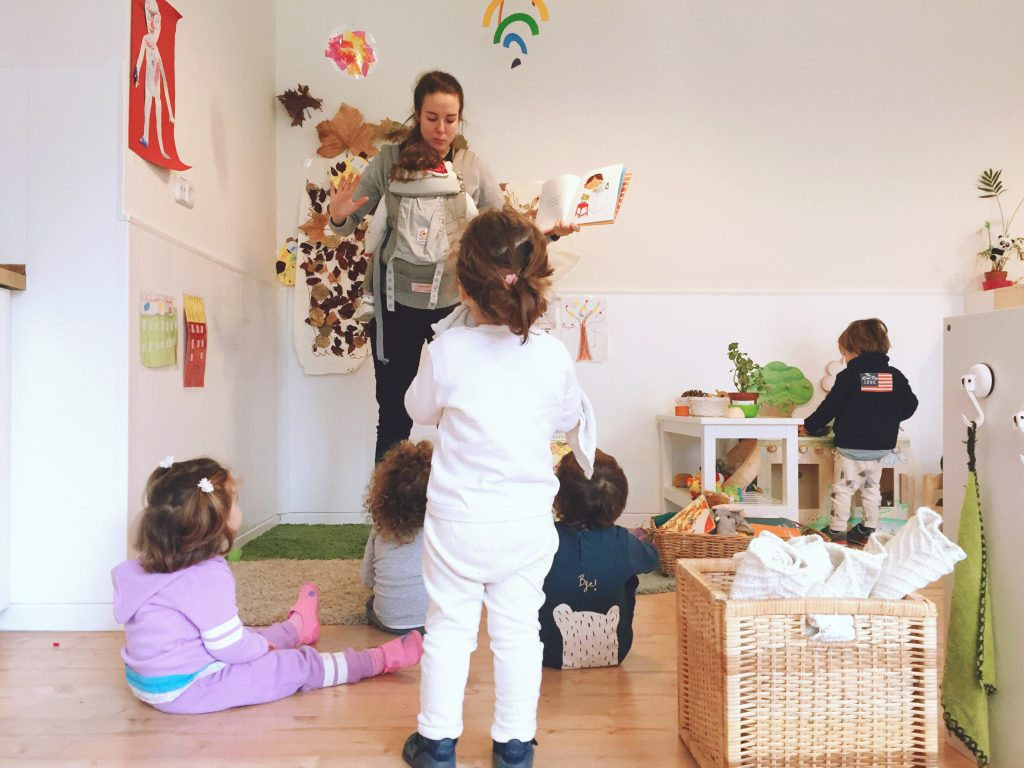 7 niños por maestra